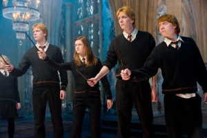 james-phelps-fred-bonnie-wright-ginny-rupert-grint-ron-oliver-phelps-george-weasley