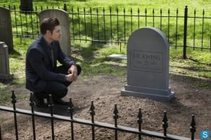 John Ross visits JR Ewing grave tombstone Dallas finale