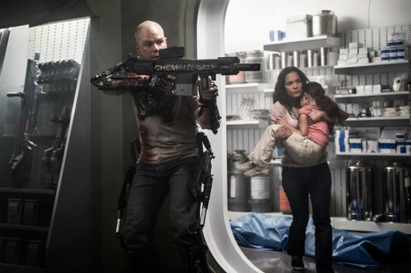 elysium-matt-damon-alice-braga photo