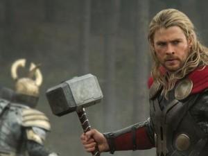 thor-the-dark-world-hemsworth as Thor photo