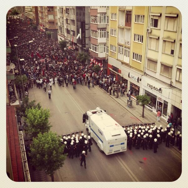 Protesters vs police in street