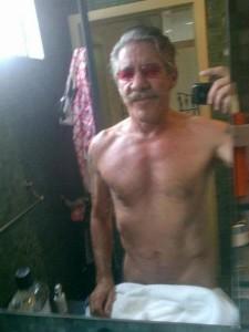 Geraldo Rivera selfie half naked photo tweet