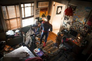 first look peter parker room-the-amazing-spider-man 2