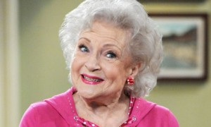 Betty-White-Hot-in-Cleveland