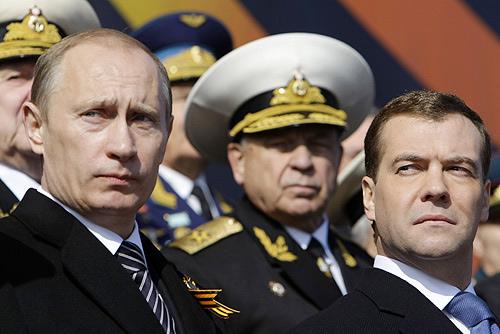 Putin und Medwedew Photo by the Presidential Press and Information Office via Flickr Juerg Vollmer maiak.info