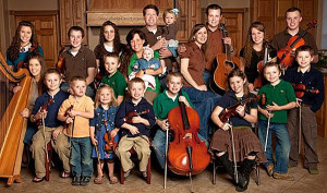 19-kids-and-counting Duggar family photo