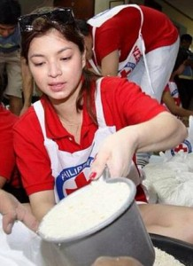 Angel Locsin working with the Red Cross Image/Angel Locsin Facebook page
