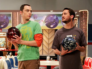 big-bang-wil-wheaton sheldon Jim Parsons bowling photo