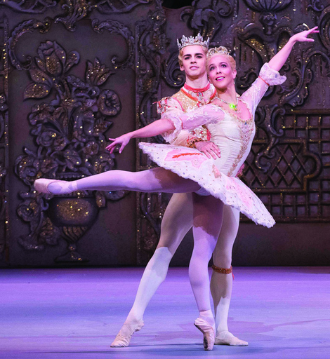 Laura Morera as The Sugar Plum Fairy and Federico Bonelli as The Prince in The Nutcracker © ROH / Tristram Kenton 2013 provided by Fathom