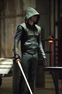 Arrow season 2 Stephen Amell with sword