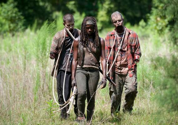 walking-dead-season 4 Michonne with pets photo