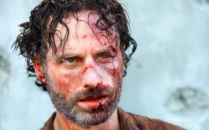 Andrew-Lincoln beaten bloody Walking Dead season 4 photo