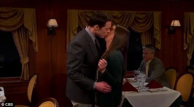 Sheldon Amy kiss Big Bang Theory season 7 photo