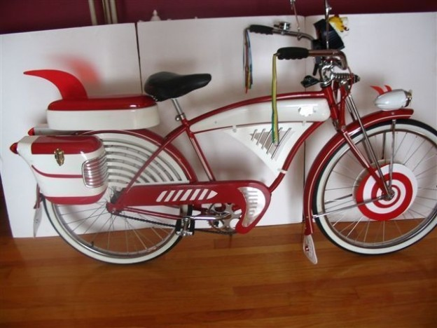 Pee wee Herman big adventure red white bike