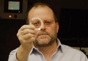 Dr Patrick Kiser holding the IVR Image/Kiser Lab