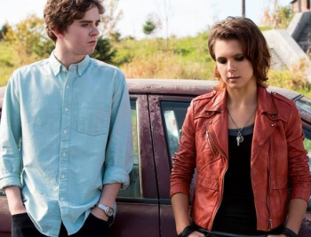 """Freddie Highmore and Paloma Kwiatkowski """"Bates Motel"""" season 2 photo"""