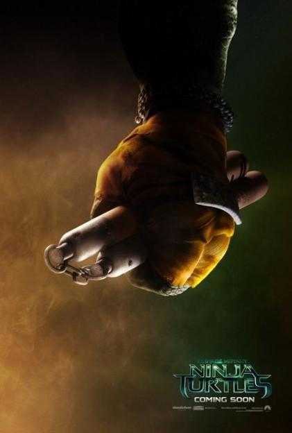 four-new-teenage-mutant-ninja-turtles-character-posters-michaelangelo