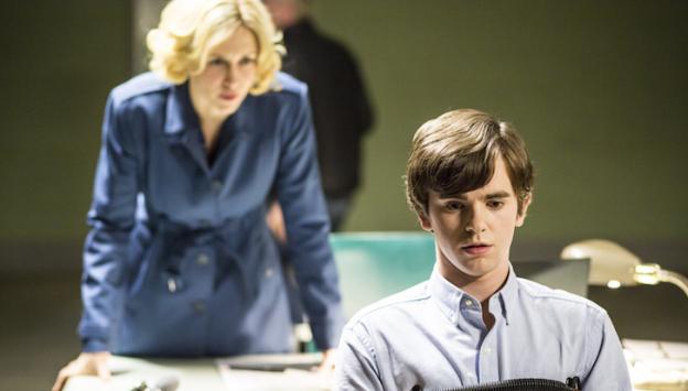 Vera Farmiga Freddie Highmore Bates Motel season 2 lie detector