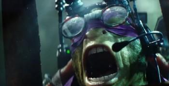 teenage-mutant-ninja-turtles-donatello yelling head set