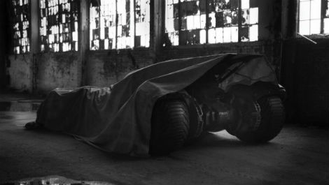 zack-snyder-teases-the-new-batmobile Batman vs Superman photo
