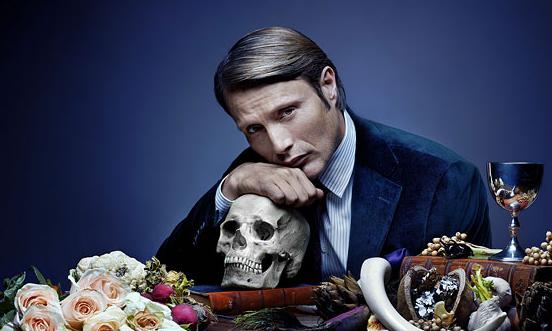 Mads Mikkelsen Hannibal photo with skull