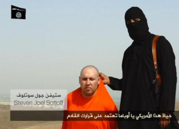 Reporter Steven Sotloff was threatened by Islamic State extremists in a new vdieo