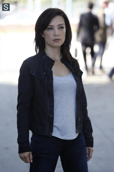 Agents-of-SHIELD-Episode-2.01-Shadows-Promotional-Photos Ming Na Agenta May