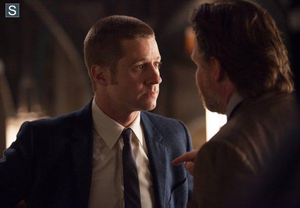 Ben McKenzie as Jim Gordon Donal Logue Gotham ep 3 photo