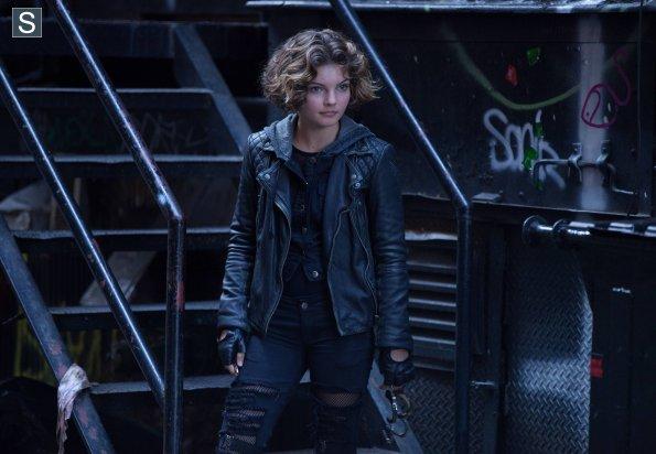 Camren Bicondova as Selena Kyle Gotham photo ep 3