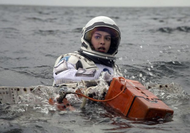 Anna Hathaway in water Interstellar photo