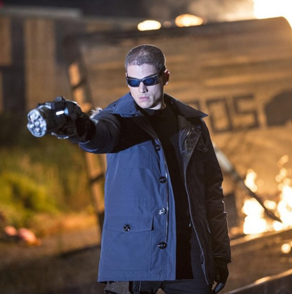 wentworth-miller-captain-cold-the-flash-2-taking aim