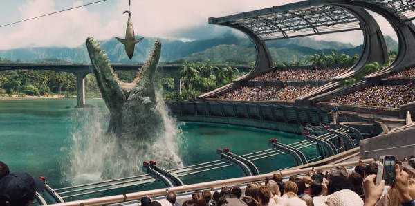 jurassic-world-trailer-giant creature eats shark bait to scale