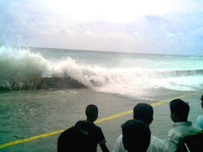The tsunami that struck Malé in the Maldives on December 26, 2004  photo/ Sofwathulla Mohamed, public domain via wikimedia commons