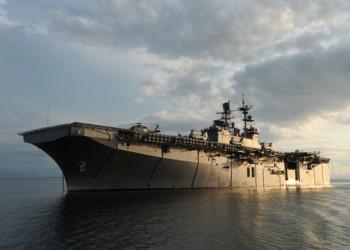 USS Iwo Jima LHD7 photo by MC2(SW) Zane P Ecklund