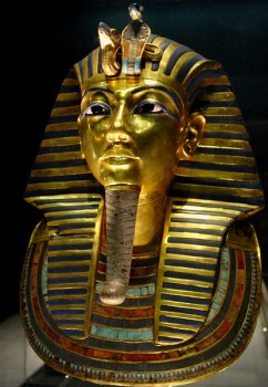 King Tuthankamen's famous burial mask, on display at the Cairo museum photo/  Bjørn Christian Tørrissen