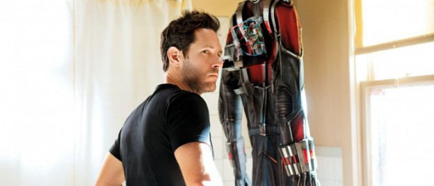 Ant-Man-Paul-Rudd-Shower-super suit