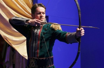 Sean Maguire as Robin Hood Once Upon a Time season 4