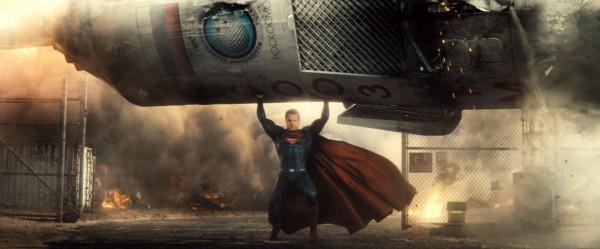 batman-v-superman-trailer-screengrab-4-600x249