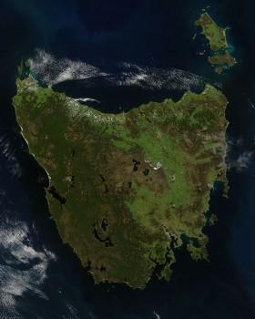 Tasmania from space photo/ NASA Jeff Schmaltz, MODIS Rapid Response Team, NASA/GSFC