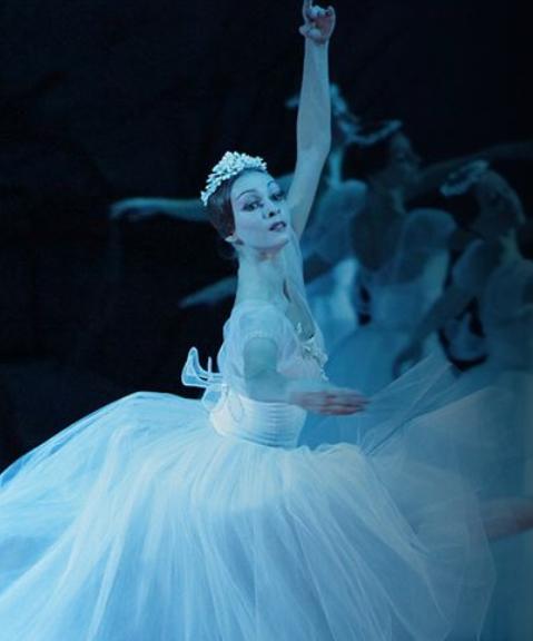 Giselle ballet photo Bolshoi ballet fathom events