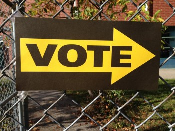 Vote sign photo/ Leslie Andrachuk via pixabay