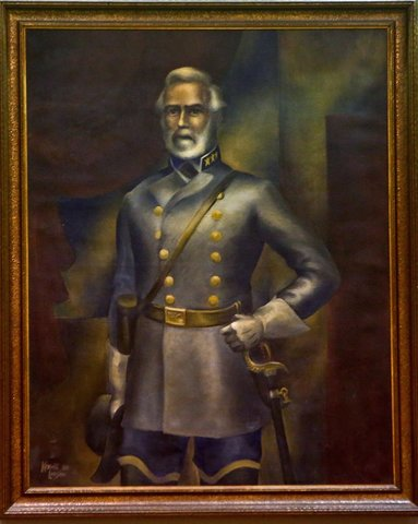 The Robert E Lee portrait in Florida's Lee County Commission chambers photo/screenshot of video coverage