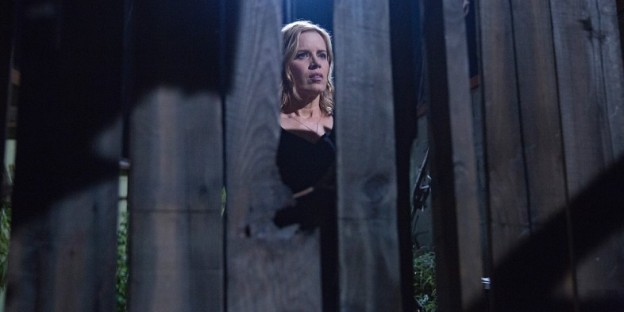Kim-Dickens-in-Fear-the-Walking-Dead-Season-1-Episode-3
