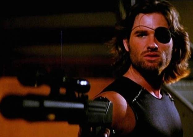 Kurt Russell wtih gun Escape from