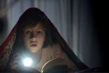 Ruby Barnhill as Sophie