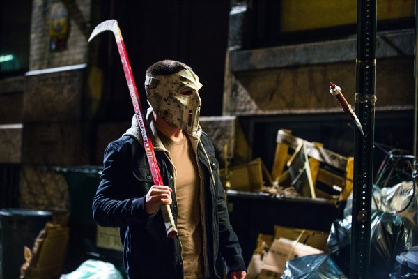 casey-jones-stephen-amell-teenage-mutant-ninja-turtles-600x400