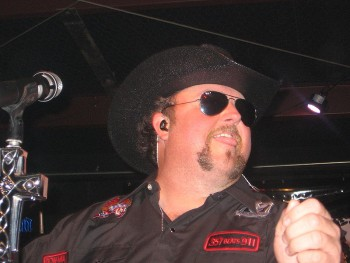 Colt Ford at a concert Of Colt in 2010 photo/ DJ Virt via wikimedia commons