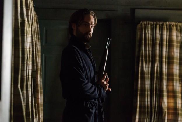 Tom Mison as Ichabod Crane Sleepy Hollow season 3 photo