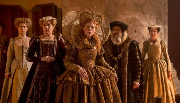 Helen McCrory (center) as Queen Elizabeth I (Credit: Nick Wall)