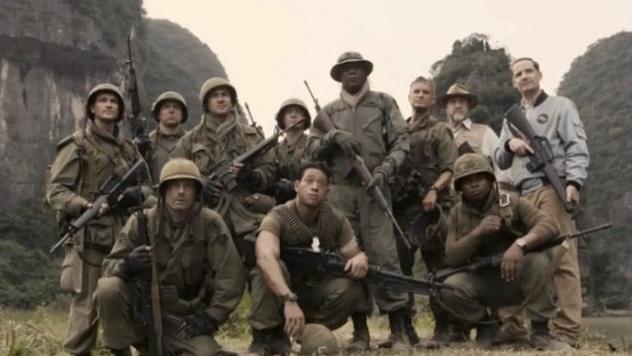 Kong Skull ISland soldier cast photo Samuel L Jackson John Goodman Shea Whigham Thomas mann